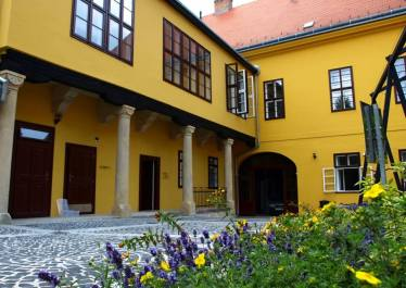 ciszterci ház1